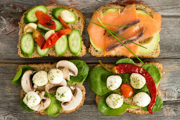 Open sandwiches with smoked salmon